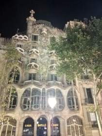 Casa Batlló in the night